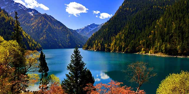 Revisiting natural wonders of quake-hit Jiuzhaigou