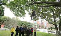 Chengdu University offers tree climbing course to sports students